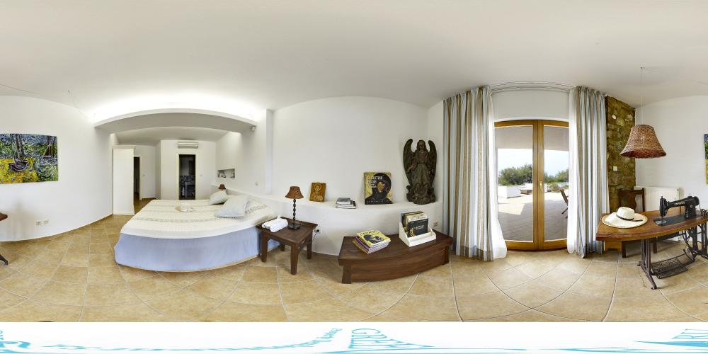 Bedroom 3 pool level